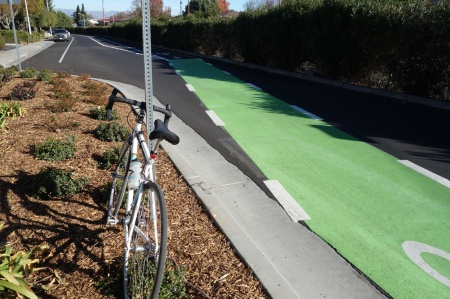 Confusion on Calabazas. Do we want bike lanes crossing traffic lanes?