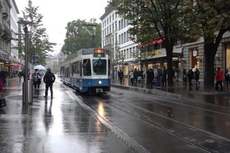 Even the fanciest shopping area, Bahnhofstrasse, has light rail.
