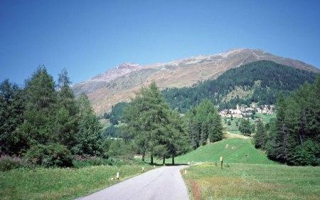 Approaching Gavia Pass.